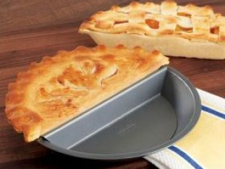 Split Decision Nonstick Pie Pan