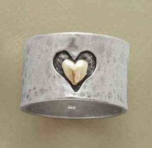 Heart And Soul Ring | The Mindful Shopper | Valentine's Day Picks