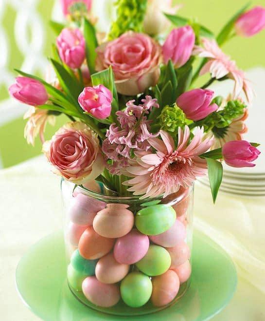 Easy Easter Egg Vase from Better Homes and Gardens