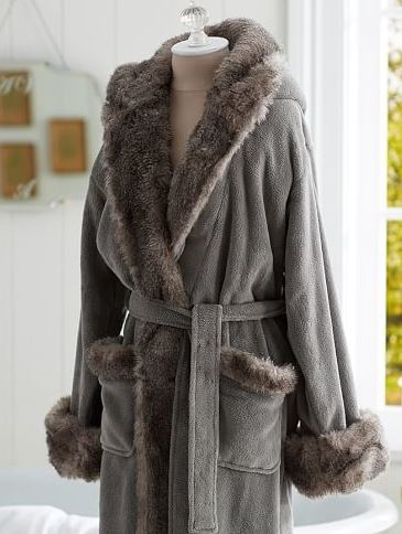 Cozy Faux Fur Chinchilla Robe