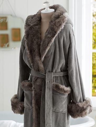 Cozy Faux Fur Chinchilla Robe